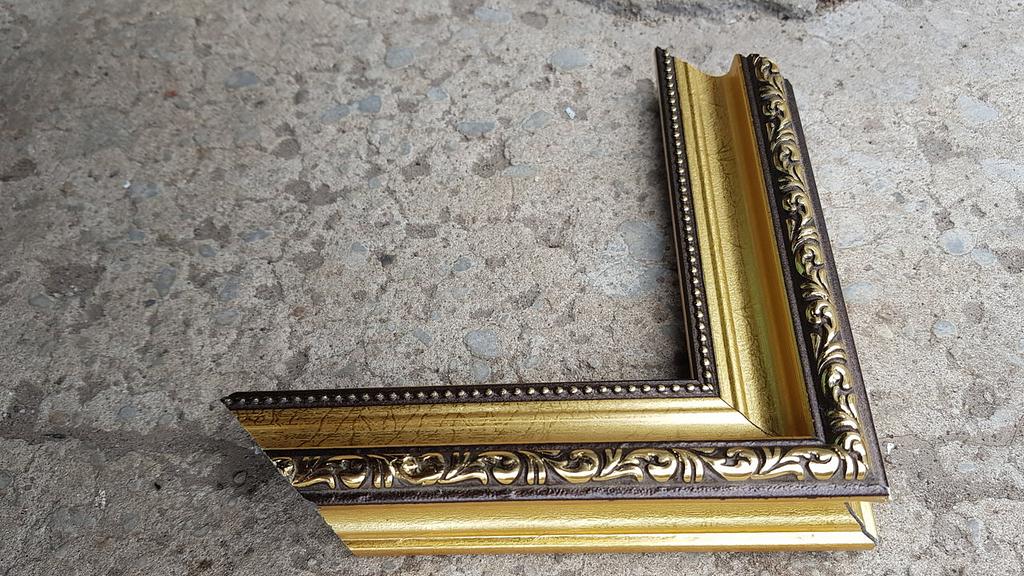 Gold modernism frame img_1